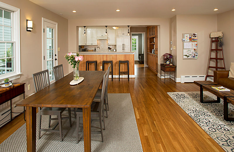 Example of whole-house remodeling: kitchen and dining room photo