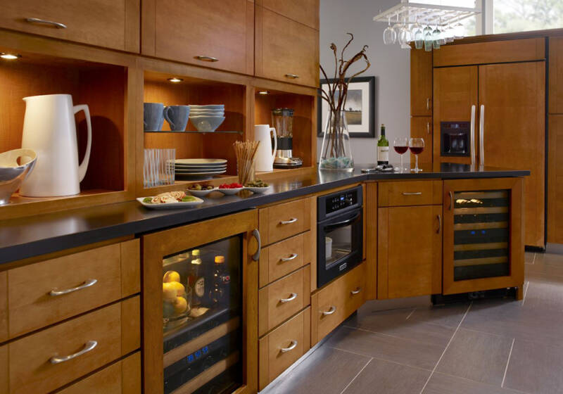 accessible kitchen cabinets and appliances